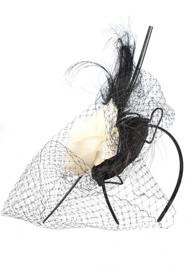 Bentita cu voaleta si aplicatii florale tafta si dantela