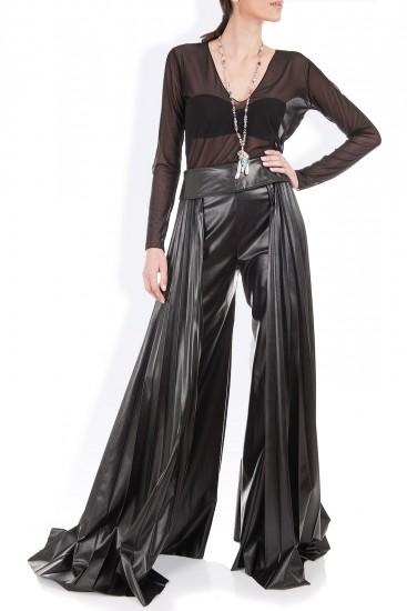 Pantaloni palazzo cu pliseuri piele eco neagra