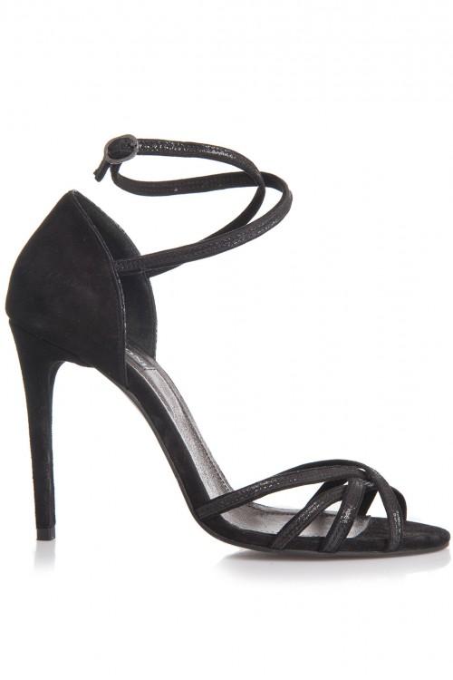Sandale negre cu toc si barete subtiri