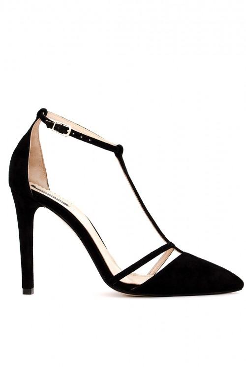 Pantofi negri cu toc din piele intoarsa