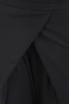 Pantaloni negri cu pliuri simetrice