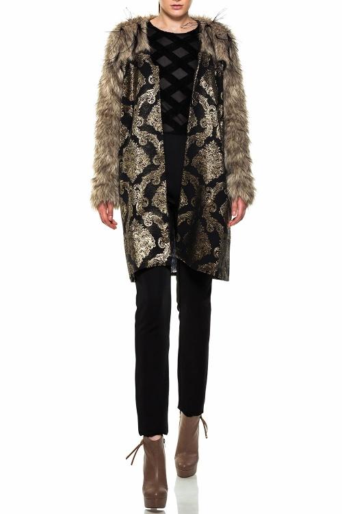 Palton brocart si blana cu pene strut