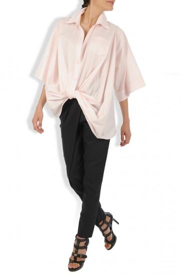 Camasa roz pal cu nod stilizat